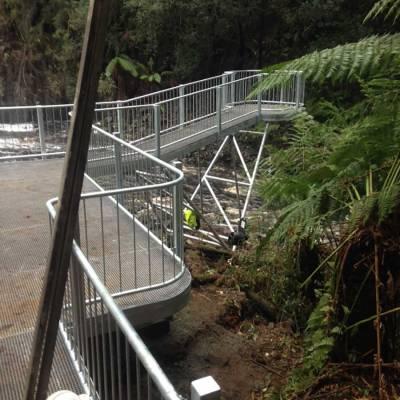 Viewing platform @ Dip Falls (North-West Tasmania) for Parks and Wildlife Tasmania.
